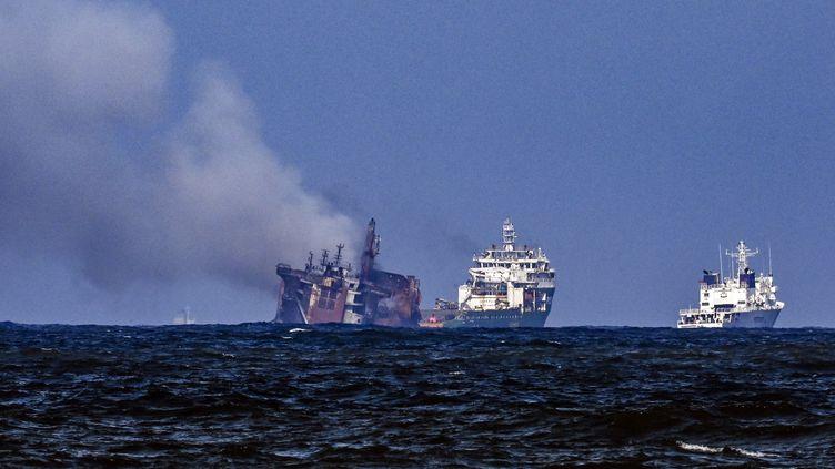 Navire en feu : le Sri Lanka va attaquer l'armateur