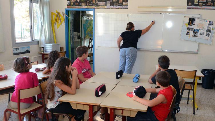 Une salle de classe de Vitrolles (Bouches-du-Rhône), lors d'une rentrée anticipée, le 27 août 2012. (GERARD JULIEN / AFP)