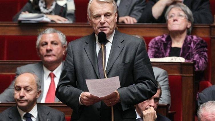 Jean-Marc Ayrault prend la parole à l'Assemblée, le 12 octobre 2010. (AFP - Pierre Verdy)