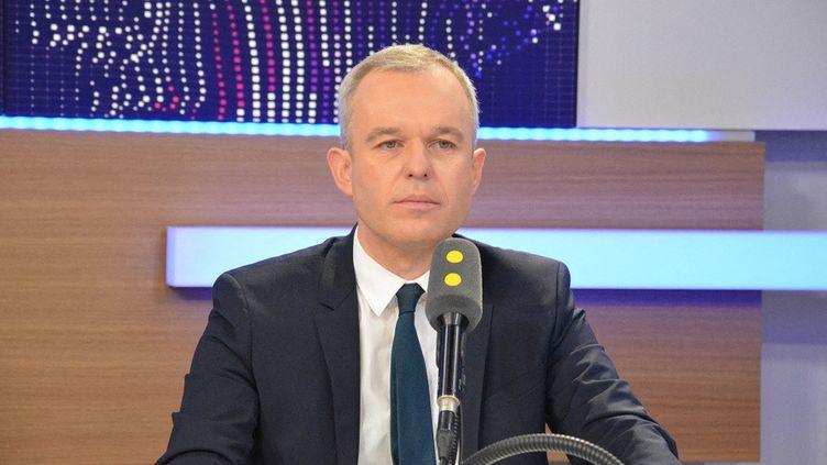 François de Rugy, invité de franceinfo le 22 février 2017. (JEAN-CHRISTOPHE BOURDILLAT / FRANCE-INFO)