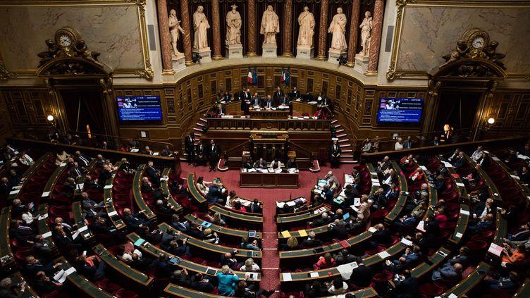 Les sénateurs participent à une séance de questions au gouvernement, le 24 mai 2018, au Sénat, à Paris. (MAXPPP)