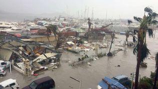 Les dégâts à Saint-Martin, mercredi 6 septembre, après le passage de l'ouragan Irma. (MOREL / SIMAX / SIPA)