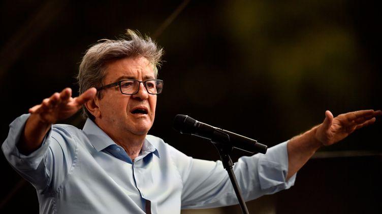 Jean-Luc Mélenchon pendant son discours aux AMFiS d'été de la France insoumise à Marseille, le 25 août. (CHRISTOPHE SIMON / AFP)