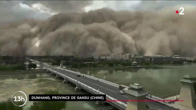 Chine : impressionnante tempête de sable dans le nord du pays