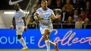 L'Australien du Racing Kurtley Beale relance le jeu face à Toulon, le 16 octobre au stade Mayol. (NICOLAS TUCAT / AFP)