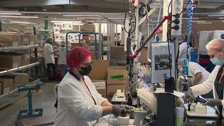 L'entreprise Malongo a choisi de relocaliser sa production de Chine en France. Ce spécialiste du café a décidé de réimplanter la fabrication d'une machine à dosettes en Vendée. (CAPTURE D'ÉCRAN FRANCE 3)