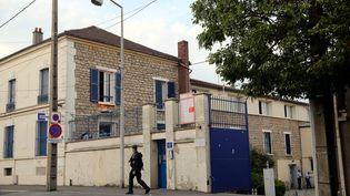 La gendarmerie de Persan (Val-d'Oise), photographiée le 20 juillet 2016, où était transféré un jeune de la ville voisine de Beaumont-sur-Oise mort d'un arrêt cardiaque. (MAXPPP)