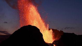 Volcans : les éruptions sous surveillance pour éviter les catastrophes (France 2)