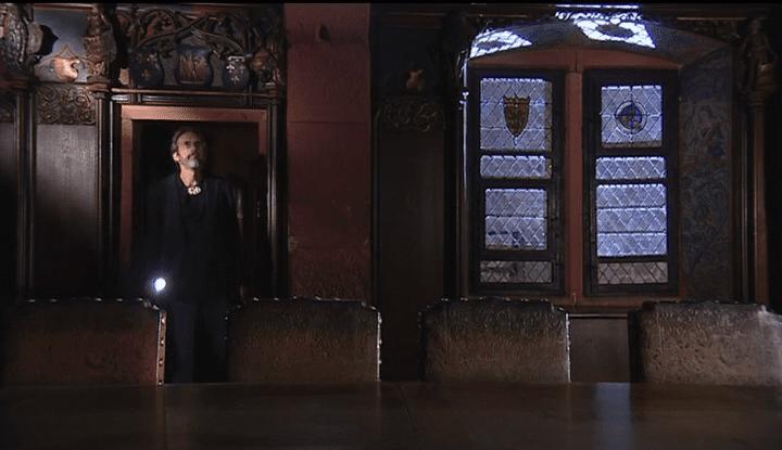 John Howe visitant le château du Haut-Koenigsbourg  (France 3 / culturebox / capture d'écran)