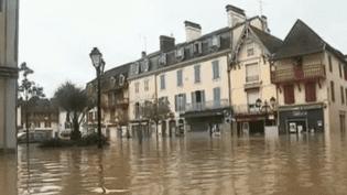 Le village de Salies-de-Béarn (Pyrénées-Orientales) sous les eaux le mercredi 13 juin 2018. (France 2)