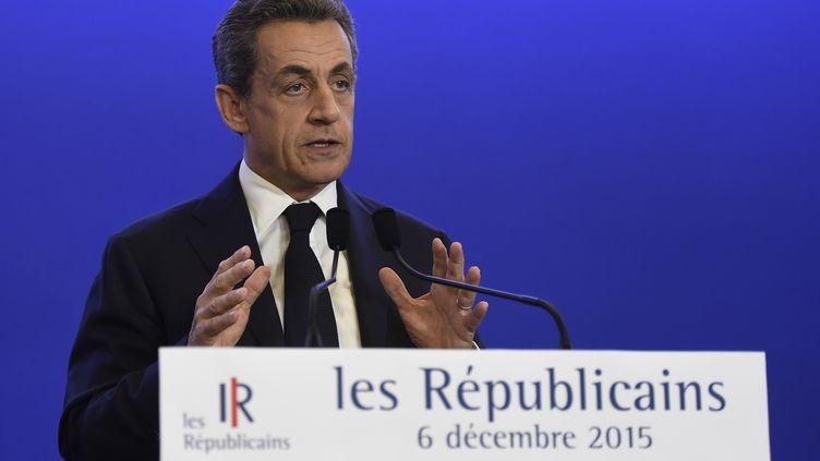 Le président des Républicains Nicolas Sarkozy lors d'un discours au soir du premier tour des régionales, à Paris, le 6 décembre 2015. (ERIC FEFERBERG / AFP)