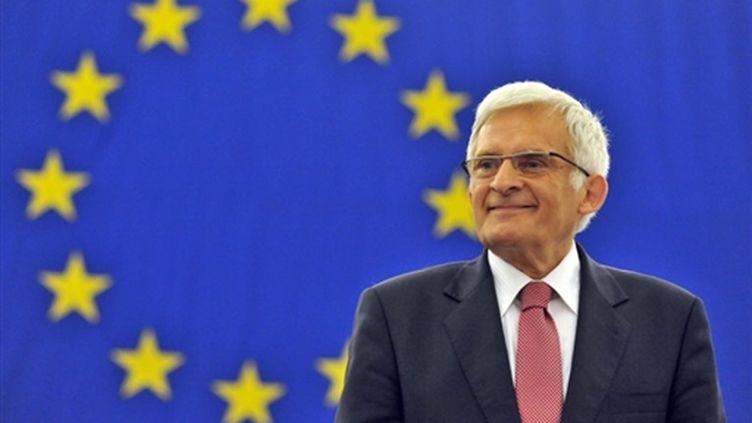 Le nouveau président du Parlement européen, le polonais Jerzy Buzek (© AFP)