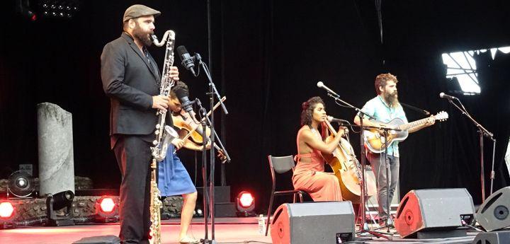 Le saxophoniste Rapahël Imbert a rejoint le trio sur scène pour plusieurs morceaux  (Jean-François Convert)