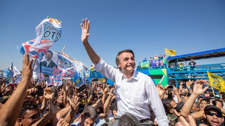 Jair Bolsonaro, candidat de l'extrême droite à la présidentielle d'octobre au Brésil, le 5 septembre 2018 à Ceilândia. (DANIEL TEIXEIRA / ESTADAO CONTEUDO)