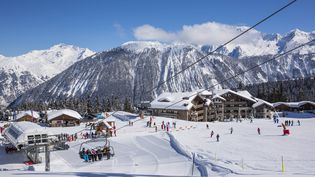 La station de ski de Courchevel, en mars 2014. (PIERRE JACQUES / HEMIS.FR / AFP)