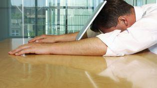 Un salarié sur deux se dit en situation de fragilité professionnelle ou personnelle, les pathologies liées au travail ne cessent de se développer (MAXPPP)