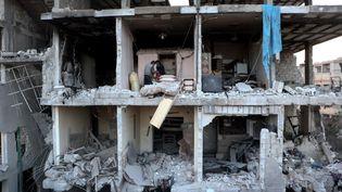 L'hôpital d'Arbin, détruit après une frappe du régime, le 21 février 2018, dans la Ghouta orientale, en Syrie. (DIAA AL-DIN SAMOUT / ANADOLU AGENCY / AFP)