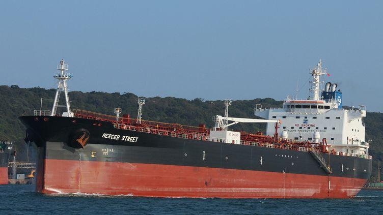 """Photo d'archives du pétrolier """"Mercer Street"""", attaquéen mer d'Oman le29 juillet 2021. (EYEPRESS NEWS / AFP)"""