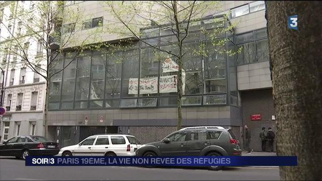 Paris : une centaine de demandeurs d'asile occupent un lycée du 19e arrondissement
