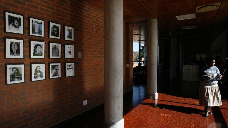 Le hall d'accueil du musée de Liliesleaf en Afrique du Sud. (GIANLUIGI GUERCIA / AFP)