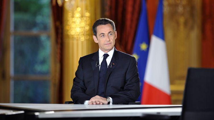 Nicolas Sarkozy à l'Elysée, juste avant l'émission télévisée après un an de mandat, le 24 avril 2008. (ERIC FEFERBERG / AFP)