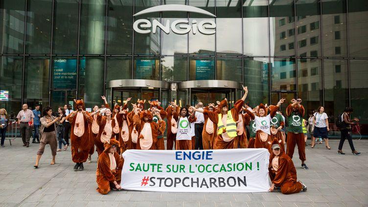 30 kangourous envahissent le siège d'Engie à Paris le 12 septembre 2016 (RAPHAËL BODIN)