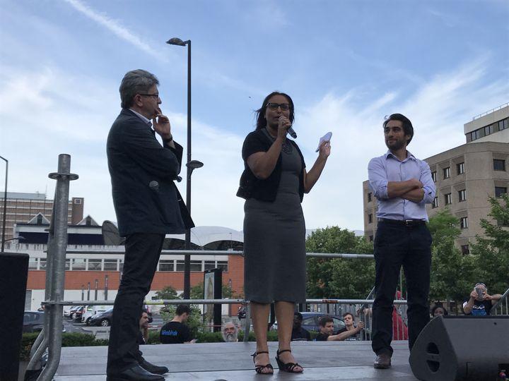 Jean-Luc Mélenchon, Farida Amrani et Ulysse Rabaté à Evry (Essonne), le 29 mai 2017. (ROBIN PRUDENT / FRANCEINFO)