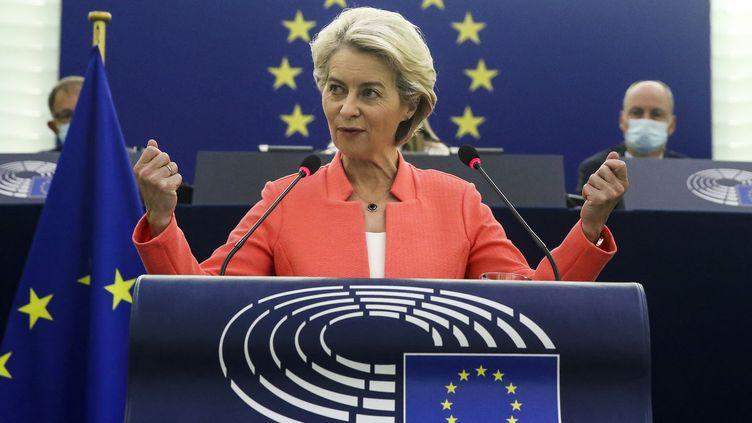 La présidente de la Commission européenne,Ursula von der Leyen, le 15 septembre 2021 devant le Parlement européen. (YVES HERMAN / AFP)