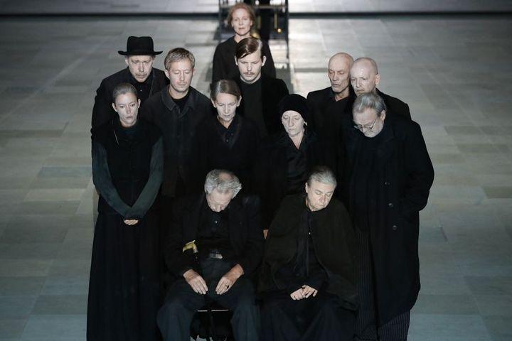 """""""Les Choses qui passent"""" de Koen Tachelet d'après Louis Couperus, mis en scène par Ivo van Hove  (Jan Versweyveld)"""