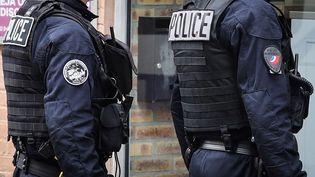 Des membres de l'unité CSI 93 à Saint-Ouen (Seine-Saint-Denis) le 2 avril 2020. (LUDOVIC MARIN / AFP)