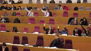 Une séance du conseil régional d'Ile-de-France, le 20 décembre 2012 à Paris. (EDOUARD DE MARESCHAL / AFP)