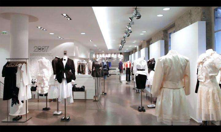 Le premier étage consacrée à la mode dans le magasin colette. 2017 (HUGUES LAWSON-BODY)