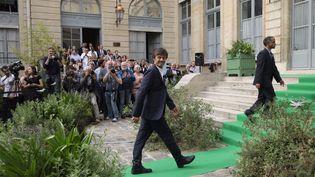 Nicolas Hulot, le 17 mai au ministère de l'Environnement à Paris, lors de la passation de pouvoir avec Ségolène Royal. (MAXPPP)