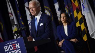 Joe Biden et Kamala Harris lors d'une conférence de presse à Wilmington (Delaware, Etats-Unis), le 12 août 2020. (OLIVIER DOULIERY / AFP)
