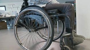 Une femme devenue paraplégique après avoir été défenestrée a été jugée partiellement responsable de sa situation. Cet événement provoque un tôlé. (FRANCE 2)