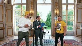 Élection présidentielle : les candidats flirtent avec les réseaux sociaux (France 2)