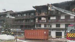 Un bâtiment a été ravagé par les flammes dimanche 20 janvier, tuant deux saisonniers d'origine comorienne. (FRANCE 2)