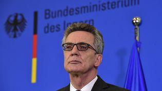 Le ministre de l'Intérieur allemand Thomas de Maizière le 20 décembre 2016 à Berlin (Allemagne). (JOHN MACDOUGALL / AFP)
