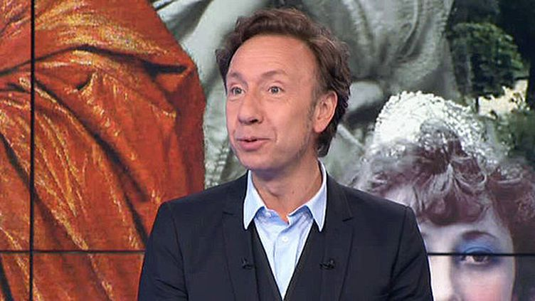 """Stéphane Bern invité du Soir 3 pour présenter son livre """"Piques et Répliques de l'Histoire"""", apru aux éditions Albin Michel  (France 3 / Culturebox)"""
