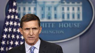 Michael Flynn répond aux questions des journalistes à la Maison blanche (Washington, Etats-Unis), le 1er février 2017. (WIN MCNAMEE / GETTY IMAGES NORTH AMERICA / AFP)