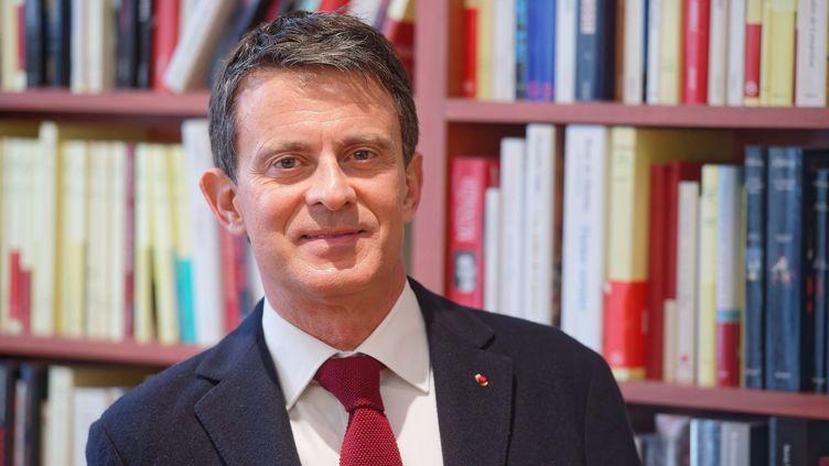 Manuel Valls en mars 2021 à Paris. (DANIEL FOURAY / MAXPPP)