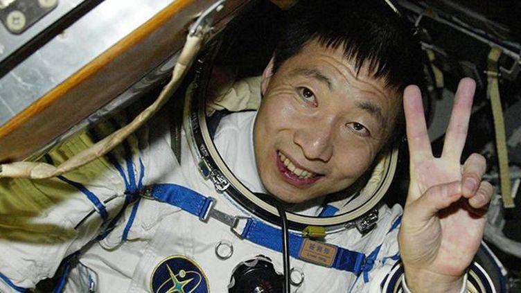 L'astronaute chinois Yang Liwei dans la capsule Shenzou V, le 16 octobre 2003.