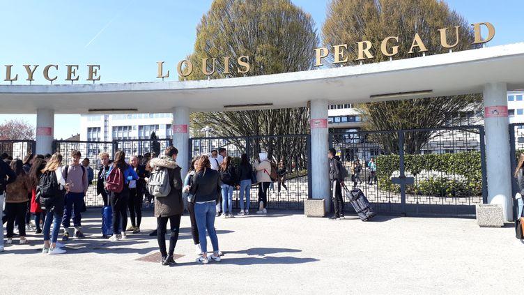 L'entrée du lycée Louis Pergaud à Besançon (Doubs). 28 mars 2019. (ANNE FAUVARQUE / FRANCE-BLEU BESANÇON)