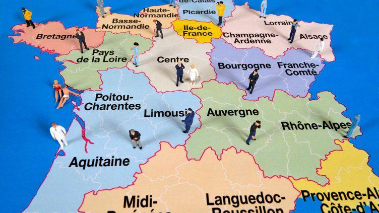 (Un sondage Ifop publié dimanche 26 juillet pointe la défiance de 75% des Français vis-à-vis de cette réforme qui sera mise en place à partir du 1er janvier 2017.© Maxppp)