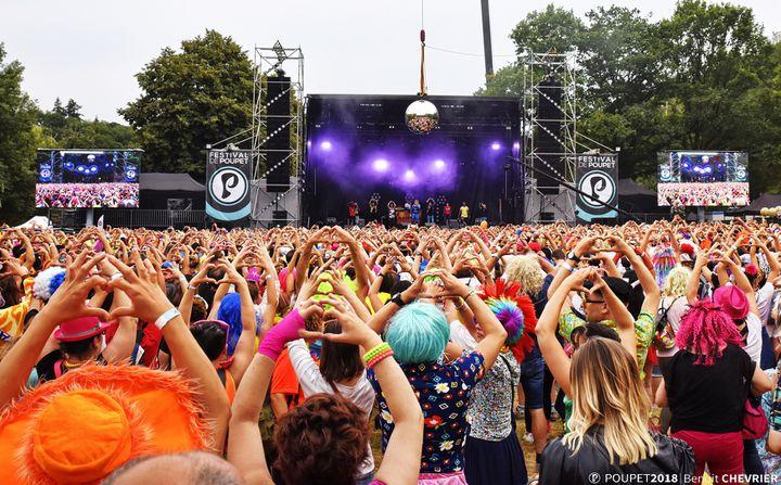 Des spectateurs présents au festival de Poupet à Saint-Malô-du-Bois (Vendée), le 19 juillet 2019.  (BENOIT CHEVRIER / FESTIVAL DE POUPET)
