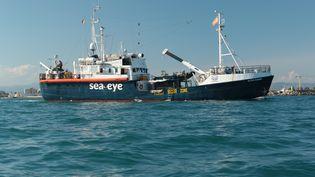 """Le navire """"Alan Kurdi"""", de l'ONG allemande Sea-Eye, photographié le 11 septembre 2020. (JORIS GRAHL / SEA-EYE.ORG / AFP)"""