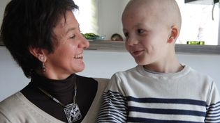 Sandrine élève seule ses trois enfants, dont Noah, 9 ans, atteint d'une tumeur au cerveau. (MAXPPP)