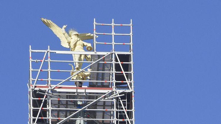 L'archange du mont Saint-Michel va être décroché pour restauration (7 mars 2016)  (Damien Meyer / AFP)