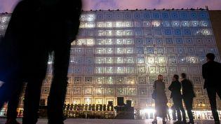 Parvis de l'Institut du monde arabe le28 septembre 2017lors du spectacle électronique en lumières et sons donné pour les 30 ans de l'IMA..  (IP3 PRESS/MAXPPP)