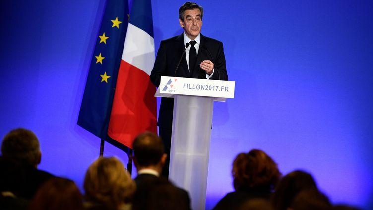 François Fillon lors d'une conférence de presse, à Paris, le 6 février 2017. (MARTIN BUREAU / AFP)